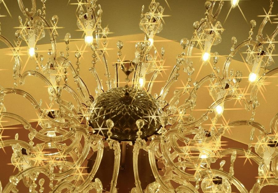 Limpia con Majestic las lámparas de cristales